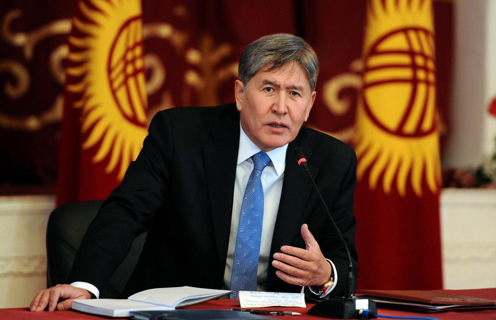 Президент Кыргызстана: Некоторые страны обещали разбомбить нас из-за размещения базы ВВС США